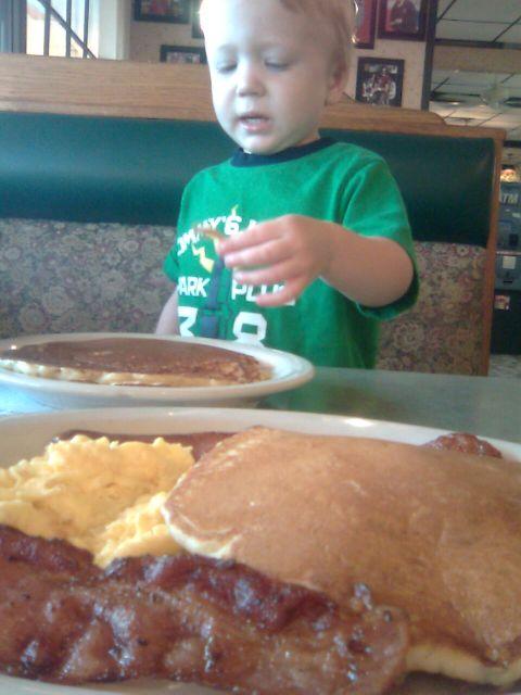 moms2-breakfast2